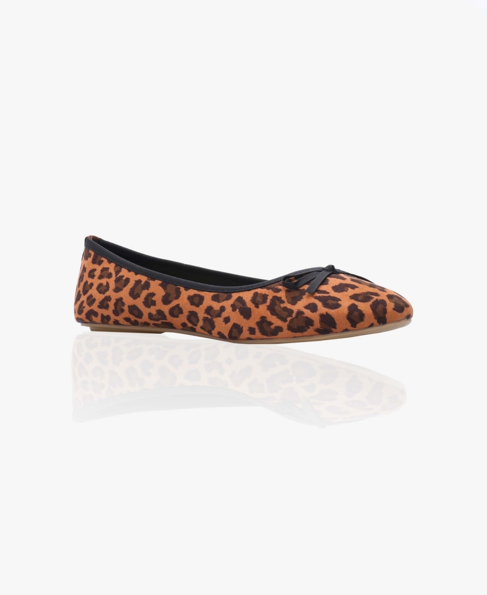 detailed look 060b8 db8a2 Faux Suede Leopard Ballerina Pumps