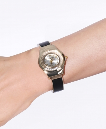 6 Floating Crystals Round Face Watch